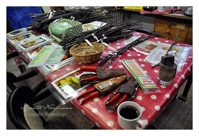 Werkzeug und Kaffee zur Stärkung